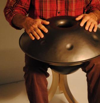 Música tribal em instrumentos exóticos: conheça o Gubal e o Hang